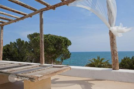 Property for sale in Costa Dorada. Villa – L'Ametlla de Mar, Catalonia, Spain