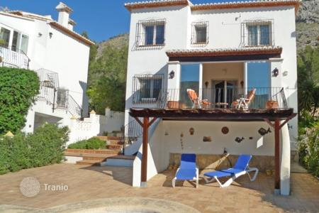 Houses with pools for sale in Benissa. Villa – Benissa, Valencia, Spain