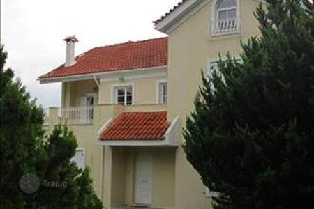 6 bedroom houses by the sea for sale in Attica. 3-storey cottage in Attica