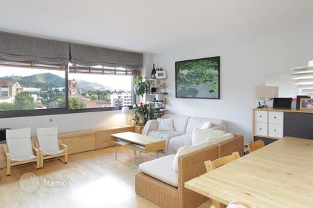 4 bedroom apartments for sale in Barcelona. Very bright and sunny 4-bedroom apartment in the Olympic Village in Barcelona