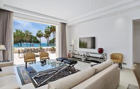 Luxury apartments on the first line from the sea, Cannes, France for 8,800,000 €