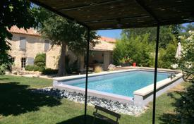 "Saint-Rémy-de-Provence — Charming countryside ""Provençal Mas"" for 929,000 €"