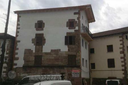 Foreclosed 1 bedroom houses for sale in Spain. Villa – Navarre, Spain