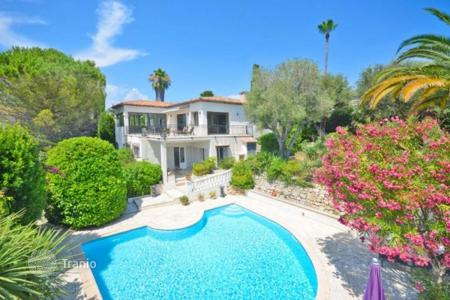 4 bedroom houses for sale in France. Villa – Antibes, Côte d'Azur (French Riviera), France