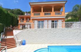 Luxury residential for sale in Beausoleil. Charming villa with sea views in Beausoleil