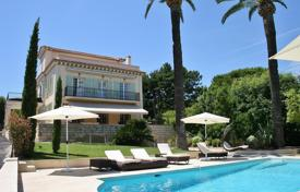 6 bedroom villas and houses to rent in Côte d'Azur (French Riviera). Cap d'Antibes — walking distance to the sea — Beautiful villa to rent