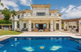 Luxury property for sale in Malaga. Stunning Frontline Golf Mediterranean Villa, Los Arqueros, Benahavis