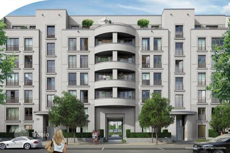 3 bedroom apartments for sale in North Rhine-Westphalia. Three-bedroom apartments with two balconies in Dusseldorf