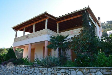 Coastal residential for sale in Peloponnese. Villa in Peloponnese, Greece. Just 100 meters from the sea, garden, terrace with BBQ. Price reduced from 255000 €