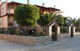 Residential for sale in Porto Rafti. Townhouse with an elevator, at 150 meters from the sea, Porto Rafti, Greece. Landscaped garden with a barbecue area and a gazebo