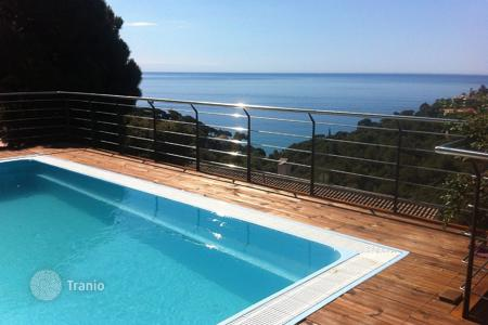 Villas and houses to rent in Catalonia. Villa - Tossa de Mar, Catalonia, Spain