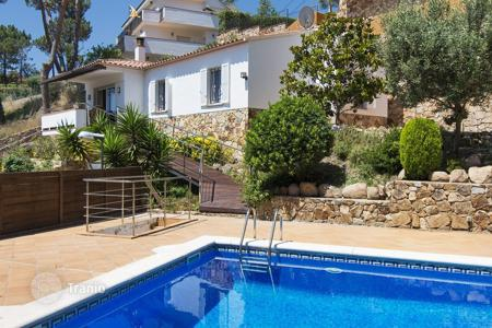 3 bedroom houses for sale in Costa Brava. Villa with pool and sea views in Cala Canyelles, Lloret de Mar, Spain