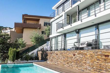 5 bedroom houses for sale in Catalonia. Spacious house with a swimming pool, Maresme, Spain
