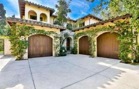 Two-storeyed villa with terrace in gated community of 4 residences, Los Angeles, USA for 2,099,000 $