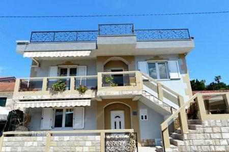 Commercial property for sale in Herceg-Novi. Business for sale — villa with apartments by the mini-hotel and a cafe on the sea front, in Kumbor, Herceg Novi