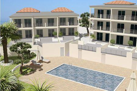 Apartments with pools for sale in Chloraka. BRAND NEW 3 Bedroom Luxury Sea View Apartments — Chlorakas