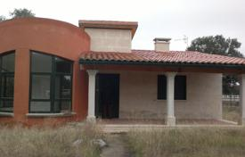 Bank repossessions residential in Castille and Leon. Villa – Carrascal de Barregas, Castille and Leon, Spain