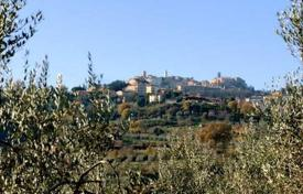 2 bedroom houses for sale in Montepulciano. Farm with a vineyard and an olive grove, Montepulciano, Tuscany, Spain