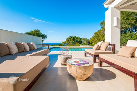 Luxury property for sale in Sant Josep de sa Talaia. Reformed villa with views upon the sea