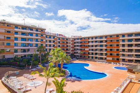Cheap 2 bedroom apartments for sale in Spain. Beautiful apartment in a modern residential complex in Tenerife