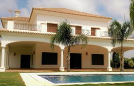 Villa in Andalusian style with a private garden, a patio, a pool and a garage, Sotogrande, Spain for 1,875,000 €