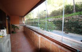 Apartments with pools by the sea for sale in Costa del Sol. Beautiful apartment located in a gated and guarded complex