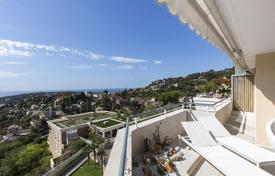 Two-bedroom penthouse with sea views in Roquebrune — Cap Martin, Côte d'Azur, France for 1,080,000 €