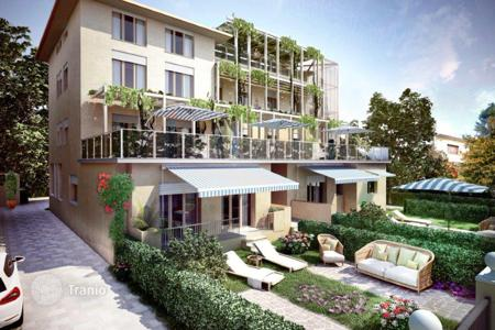 1 bedroom apartments by the sea for sale in Italy. New home - Tirrenia, Tuscany, Italy
