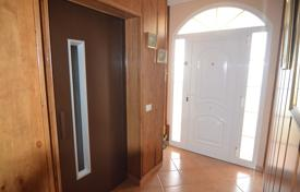 Coastal houses for sale in Arinaga. Paired house in Arinaga