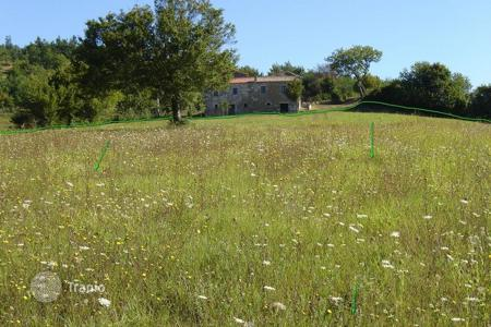 Development land for sale in Motovun. Building land AGRICULTURAL — BUILDING PLOT FOR SALE!