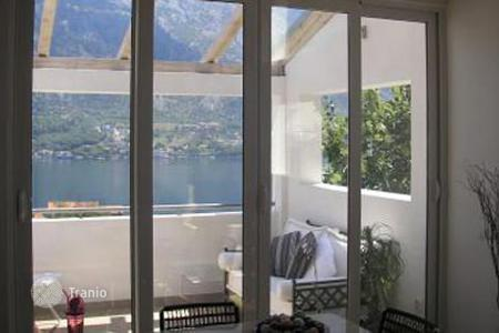 6 bedroom houses by the sea for sale in Kotor. Villa – Prčanj, Kotor, Montenegro