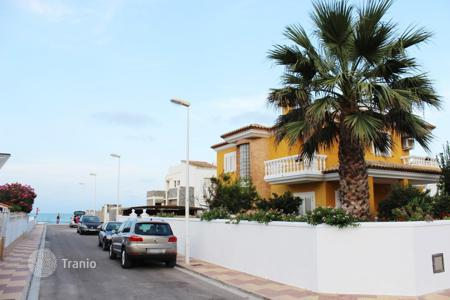 Houses with pools by the sea for sale in Cullera. Villa – Cullera, Valencia, Spain
