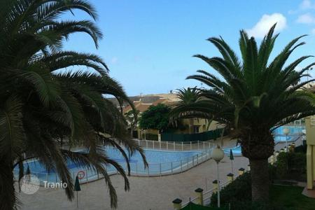 Cheap houses for sale in Canary Islands. Bungalow in Sonneland