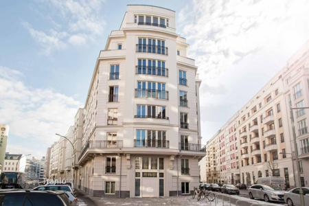 Luxury residential for sale in Mitte. New apartment with 3 terraces and high-end finishes in the central district of Berlin — Mitte