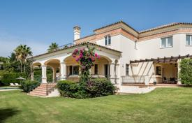 6 bedroom houses for sale in Spain. Fantastic 6-bedroom villa in Sotogrande Alto with sea and golf views