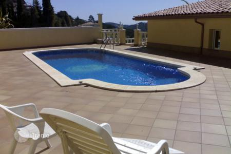 Villas and houses to rent in Catalonia. Villa - Lloret de Mar, Catalonia, Spain