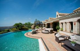 Luxury houses for sale in El Madroñal. Stylish, elegant villa with gardens, fountains, pool and views of the sea, the mountains, the golf course, La Zagaleta, El Madroñal, Malaga