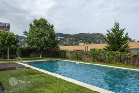 Townhouses for sale in Costa del Maresme. Terraced house – Cabrils, Catalonia, Spain