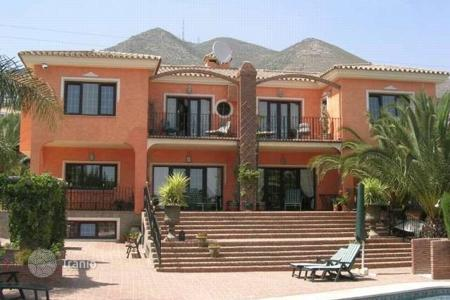 Luxury property for sale in Benalmadena. Villa – Benalmadena, Andalusia, Spain