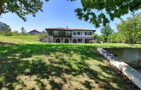 Property for sale in Urrugne. Designer villa overlooking the mountains and the forest, Urrugne, Aquitaine, France