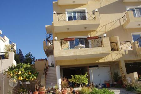 Coastal townhouses for sale in Paphos. Cozy townhouse with panoramic sea view, in a condo with a swimming pool and a garden, in Konia, Cyprus