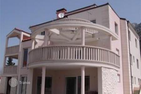 Houses with pools by the sea for sale in Split-Dalmatia County. Villa - Omis, Split-Dalmatia County, Croatia