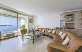 Luxury apartment with a balcony and panoramic sea views, Cannes, Côte d'Azur, France for 3,500,000 €