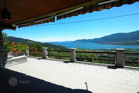3 bedroom houses for sale in Piedmont. Verbania. Maggiore lake. Charming stone Villa-chalet in an excellent position