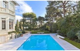 Villas and houses for rent with swimming pools in Saint-Jean-Cap-Ferrat. Saint-Jean Cap Ferrat — Belle Epoque property