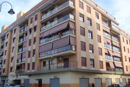 Cheap residential for sale in Alzira. Apartment – Alzira, Valencia, Spain