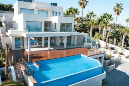 Luxury residential for sale in Moraira. Villa of 4 bedrooms in Moraira