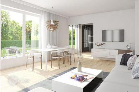 New homes for sale in Munich. Luxury 3-room apartment with a garden in the suburbs of Munich