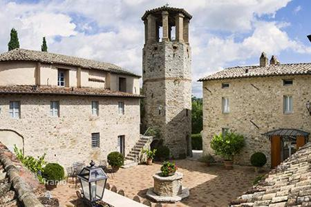 Property to rent in Perugia. Castello di Federico II