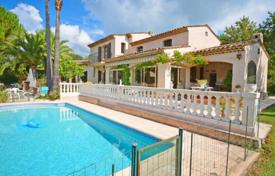 Cheap 4 bedroom houses for sale in Grasse. Villa – Grasse, Côte d'Azur (French Riviera), France